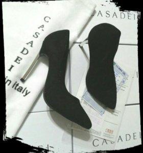 Туфли Casadei новые.