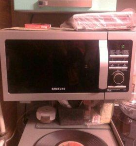 Микроволновка,холодильник,печь