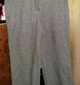 Модные теплые брюки Krizia 44 шерсть