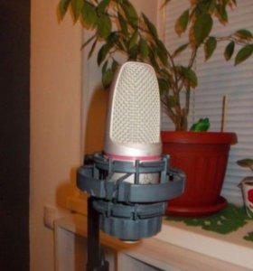 Студийный конденсаторный микрофон AKG c3000b
