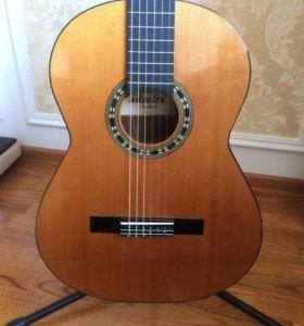 Продам классическую гитару Admira Maria