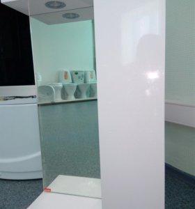 Шкаф-зеркало для ванной комнаты.