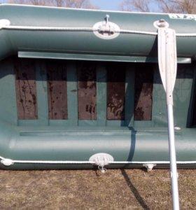 Лодка Пеликан б260