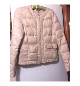 Женская куртка на весну 44рр