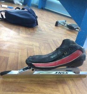 Конькобежные коньки 41 размера
