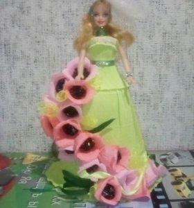 Куколка и конфетки для маленькой принцессы.