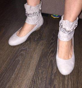 Оригинальные туфли босоножки