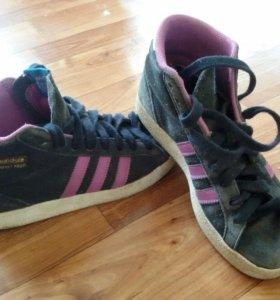 Замшевые кроссовки Adidas 35 р-р