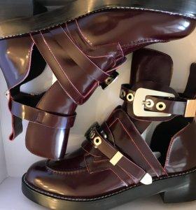 Ботинки Balenciaga бордовые