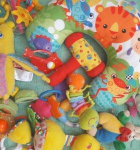 Пакет игрушек для малыша или малышки
