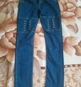 Продаються джинсы