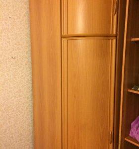Шкаф-угловой