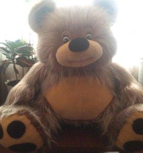 Медведь игрушечный