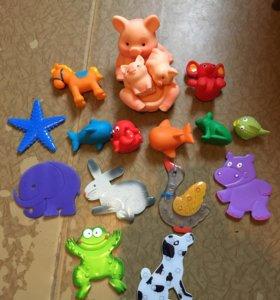 Игрушки и коврики для ванной