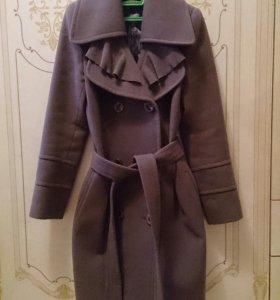 Пальто демисезонное,размер 44
