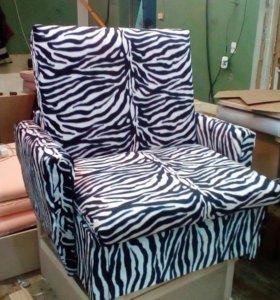 Кресло - кровать выкатное с ящиком внутри.