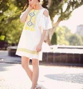 Легкое платье с кисточками