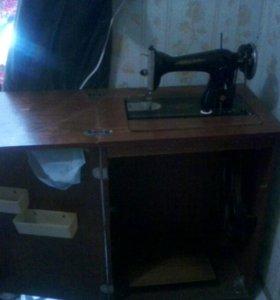 """Швейная машинка """"Подольск"""""""