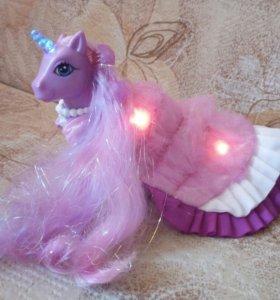 Пони My Little Pony светящийся в накидке-плаще