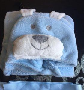 Уголок-полотенце после купания малыша