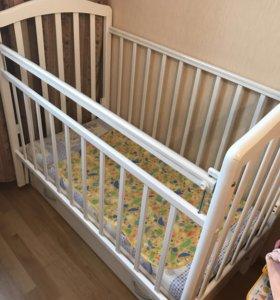 Детская кроватка 0+