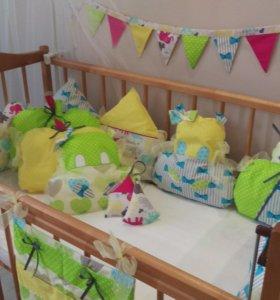 Бортики, подушки, одеяльца в детскую кроватку