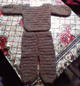 Детский вязаный костюм,(свиторок и штанишки)НОВЫЙ!