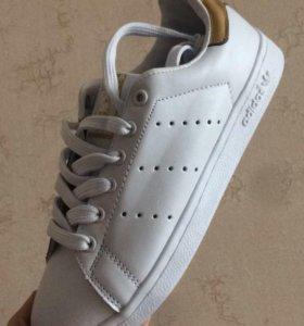 Новые кроссовки в наличии