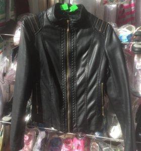 Куртка женская размер есть М, L. Тел. 89181060496
