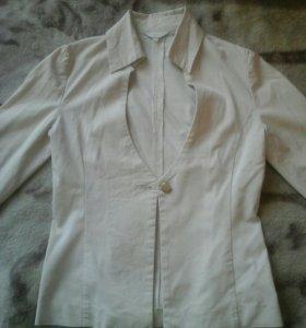Костюм и блузки