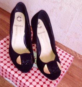 Туфли почти новые одевала пару раз