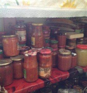 Домашние соленья, фруктово-ягодные компоты и т.д.