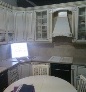 Кухня и стол со стульями, образец