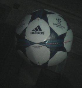 Мяч от ADIDAS