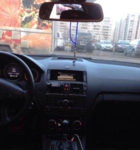 Автомобиль Мерседес класс-С