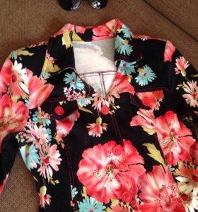 Платье в цветах 42 размер