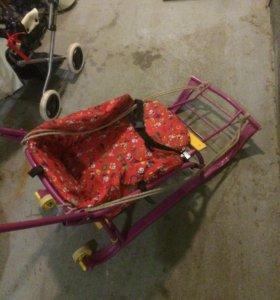 Санки на колёсиках с матрасом