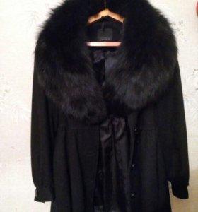 Пальто демисезонное черное мех натуральный
