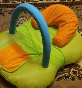 Надувной лежачок для малыша