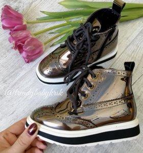 Лаковые ботинки новые