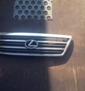 Продам решётку радиатора Lexus LX 470