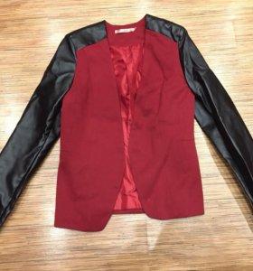 Женский пиджак размер S