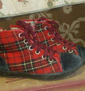 Детские ботинки,размер 34