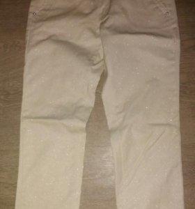 Новые блестящие джинсы