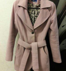 пальто 42-44 размер одевали мало