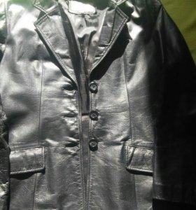 продаю кожаную натуральную куртку
