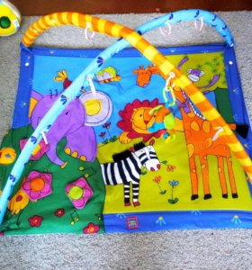 Развивающий коврик tiny love и игрушки