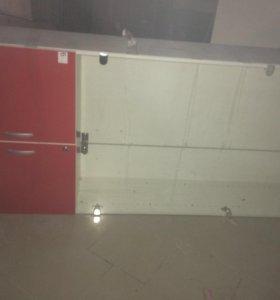 Шкаф витринный
