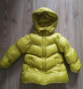 Продам куртку для девочки