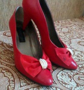 Туфли женские кожаные красные б/у